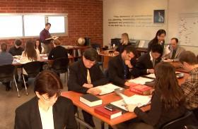 Professionals die op zoek zijn naar kennis en vakkundigheid op het gebied van management, schrijven zich in voor de trainingsprogramma's aan de Hubbard Colleges of Administration.