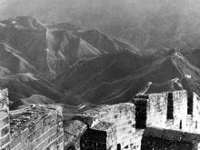De Chinese muur nabij de Nan-k'ou Pass, 1928; door L. Ron Hubbard gefotografeerd.